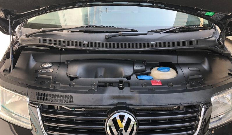 VOLKSWAGEN CARAVELLE 2.5 TDI A/T Yr.2006 full